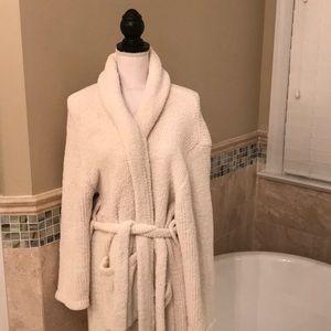 Barefoot dreams cozy robe